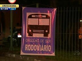 Trabalhadores rodoviários realizam protesto em Porto Alegre - Esta já é a oitava manifestação dos rodoviários.