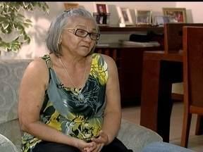 Senhora de 71 anos aguarda há três anos pelo direito de uma carteira de identidade - Dona Sofia Maria da Silva nasceu no Piauí. Na hora de registrá-la no cartório houve um erro e ela nunca conseguiu tirar o documento. A primeira via da carteira de identidade é gratuita e qualquer brasileiro pode tirar.
