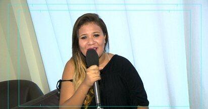 Em Movimento: Funk - Parte 3 - Conheça a Mc Karen Costa, uma jovem que é conhecida por seus funks e vídeos na internet. Ela tem o apoio de toda a família e sonha em fazer ainda mais sucesso!