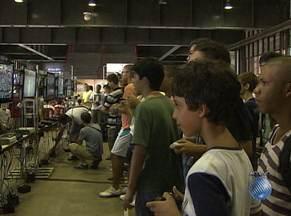 Evento reúne fãs de jogos eletrônicos neste sábado, em Salvador - Centro de Conveções se transforma em uma cidade dos games neste sábado e domingo.