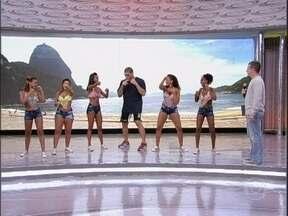 Pezão dança com meninas do Bonde das Maravilhas - Em troca, lutador ensinou alguns golpes para as integrantes do grupo
