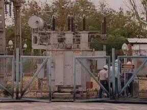 Mais de 400 mil pessoas continuam sem água em Teresina - Vazamentos em uma adutora da Estação de Tratamento de Água (ETA) deixaram mais de 60% da cidade de Teresina sem o abastecimento de água. O problema iniciado na tarde dessa quarta-feira (20) deixa mais de 400 mil pessoas sem água.