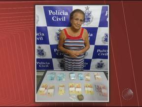 Idosa de 71 anos é presa por suspeita de tráfico de drogas em Juazeiro - Ela era conhecida como 'Vovó do tráfico' e disse que vendia maconha e cocaina para comprar remédios.