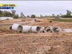Rompimento de encanamento durante obras de duplicação da BR-116 causa transtornos no RS - Obras estão dentro do cronograma em Pelotas.