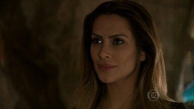 Bianca se declara para Zyah - Ela confessa que está apaixonada pelo guia