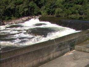 Abastecimento de água é comprometido pelas chuvas na Grande Florianópolis - Abastecimento de água é comprometido pelas chuvas na Grande Florianópolis.