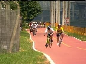 Ciclista fica ferida após bater em um ônibus em São Paulo - Horas depois do acidente, a prefeitura anunciou medidas para diminuir os acidentes com bicicletas na capital. O objetivo é que a cidade tenha 400 quilômetros de ciclovias e ciclofaixas nos próximos quatro anos.