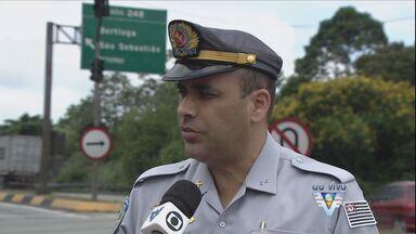 Trânsito na Cônego Domênico Rangoni melhora após novas regras - Policial Rodoviário fala sobre mudanças para os caminhoneiros que vem para o Porto de Santos