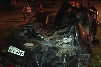 Três pessoas da mesma família morrem em acidente no interior do Estado - Três pessoas da mesma família que saíram de São Luís de carro, ontem (26), morreram em um acidente no interior do Estado. Quatro pessoas viajavam no veículo, uma sobreviveu.