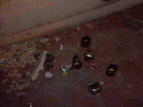 A noite, muitos imóveis no Centro de Teresina servem de pontos de drogas e prostituição - A noite, muitos imóveis no Centro de Teresina servem de pontos de drogas e prostituição