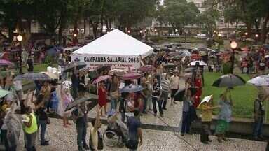 Servidores municipais de Santos voltam a trabalhar após paralisação de um dia - Trabalhadores querem aumento maior do que o oferecido pela administração