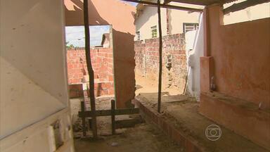 Mestre de obras é assassinado em Abreu e Lima - Crime aconteceu em uma construção, no bairro do Planalto. Quem mora na área ficou assustado.