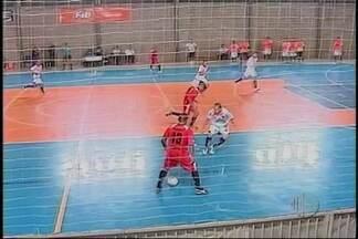 Bauru vence Mogi das cruzes na Liga Paulista de Futsal - A equipe do Alto Tietê perdeu fora de casa pelo placar de 3 a1, foi a quinta derrota dos mogianos