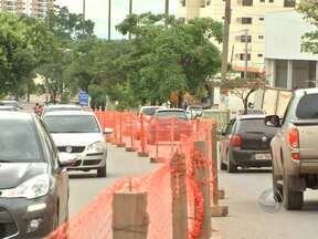 Nova interdição parcial na Avenida Miguel Sutil para obras da copa - O bloqueio é no trevo de acesso ao bairro Santa Rosa.