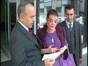 A médica acusada de matar pacientes na UTI se apresenta à justiça - Todos os meses Virgínia de Souza precisa se apresentar.
