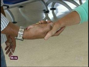 O aperto de mão diz muito sobre as intenções das pessoas - Preste atenção em como alguém lhe cumprimenta