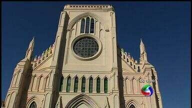 Padres falam sobre o significado da sexta-feira da Paixão em Cuiabá - Padres da igreja Nossa Senhora do Bom Despacho, em Cuiabá, falam da importância sexta-feira da Paixão para os católicos.