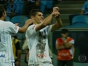 Grêmio e Santos tropeçam pelos Estaduais - O jovem Giva novamente foi o destaque do Santos. No Sul, zebra na partida do Grêmio contra o Cruzeiro-RS.