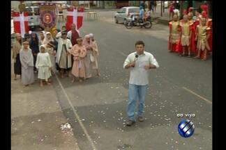 Comunidade do bairro de Canudos se prepara para representar a Paixão de Cristo - O espetáculo da Paixão de Cristo também vai ser encenado na capital, no bairro de Canudos.