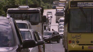 Motoristas tiveram de ter paciência na noite desta quinta-feira (28) na Cônego Rangoni - Foi mais um dia de trânsito complicado