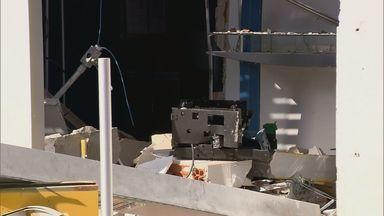 Assaltantes explodem caixa eletrônico no Centro de Silvianópolis - Assaltantes explodem caixa eletrônico no Centro de Silvianópolis