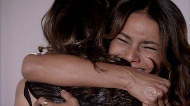 Salve Jorge - Capítulo de sexta-feira, dia 29/03/2013, na íntegra - Lucimar e Morena se abraçam
