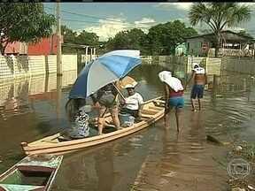Cheia do Rio Acre causa estragos em Rio Branco - Em uma semana, o Rio Acre subiu 15 metros. Cerca de 1,5 mil pessoas estão desabrigadas em Rio Branco. Em nove bairros, as casas estão praticamente submersas.