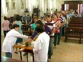 Sexta-feira Santa foi de celebrações para centenas de católicos em Uruguaiana, RS - Fiéis se reuniram na Paróquia Nossa Senhora do Carmo.