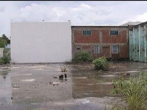 Antigo Clube Primavera de Taguatinga vira abrigo de usuários de drogas - O antigo Clube Primavera de Taguatinga virou abrigo de usuários de drogas. Quando chove, as piscinas são prato cheio para o mosquito da dengue.