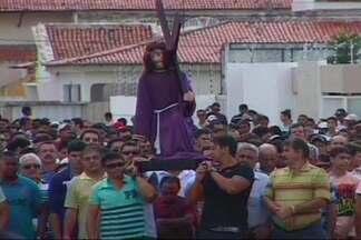 Semana Santa : Procissão na cidade de Sousa - Homens, mulheres e adolescentes participaram de procissões na cidade de Sousa, durante as comemorações da Semana Santa.