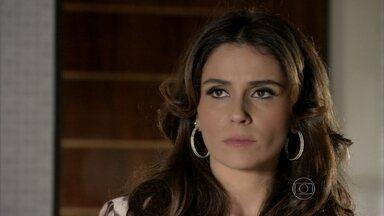 Helô tenta tranquilizar Morena - Almir fala para a delegada que Jô fez um bom trabalho na boate