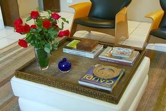 Veja dicas para misturar móveis e objetos caros e outros mais baratos em um mesmo ambiente - Essa mistura é a nova tendência entre decoradores e arquitetos. Veja exemplos de como usar essa mistura na sua casa.