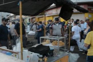 Operação da Sedurb começa a retirar ambulantes das calçadas dos terminais de ônibus em JP - Segundo coordenador da Sedurb, operação que está acontecendo no Terminal do Varadouro vai se estender para outras áreas da cidade.