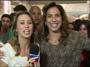 Totia Meirelles vai às ruas e escuta o que está na boca do povão - Vídeo Show acompanhou a interprete de Wanda para colher os frutos do trabalho em 'Salve Jorge'