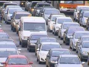 Carência de vagas na região central causa transtornos - Em homenagem ao aniversário de Brasília, a Redação Móvel vai passar a semana na área central. A falta de vagas para estacionamento é um problema na região.