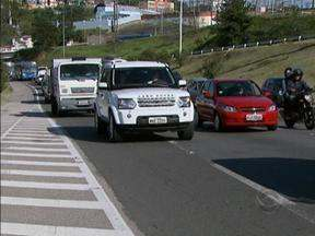 Trânsito 24h: manifestação contra 'tachões' na BR-282, causa filas em Florianópolis - Trânsito 24h: manifestação contra 'tachões' na BR-282, causa filas em Florianópolis