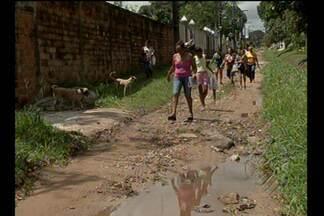 Moradores de rua em Ananindeua reclamam de falta de saneamento - O repórter Rodrigo Maia foi até o local e traz as informações.