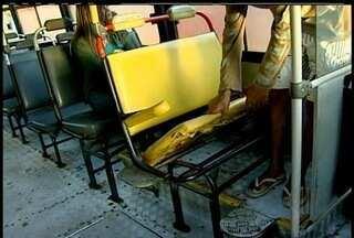 Falhas em ônibus que faz a linha Quissamã X Macaé revolta passageiros - Bancos quebrados, pane elétrica e mecânica e atrasos são algumas das reclamações.