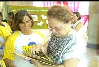 Troca-troca de livros incentiva a leitura em Campos dos Goytacazes, Norte Fluminense - Projeto é uma iniciativa da Secretaria Municipal de Educação.