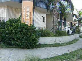 Suspeita de bomba movimenta UBS em Sorocaba, SP - Uma suspeita de bomba movimentou uma Unidade Básica de Saúde, no bairro Ulysses Guimarães, em Sorocaba (SP), na tarde desta quinta-feira (18). Vazamento de cloro de piscina, que emite gás, confundiu as pessoas.