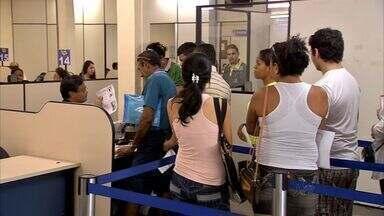 Falta uma semana para regularizar título de eleitor - Títulos irregulares são impedidos de tomar posse em concurso público e tirar passaporte.