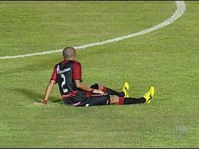 Nino Paraíba está fora do jogo contra o Juazeiro - Ele foi vetado pelo departamento médico por causa de cansaço muscular.