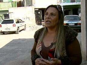 Dona Irenilda arregaça as mangas pela Vila das Torres - A líder comunitária Irenilda Arruda faz trabalhos voluntários desde os 17 anos.