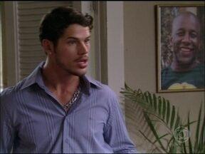 Divirta-se com o encontro inusitado de Darkson com a cabra Ariana - Candinho vence a disputa e não é trocado por personagem de Avenida Brasil