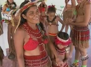 Índios Pataxó ensinam novas gerações a preservar cultura e tradições - Dia do Índio é comemorado nesta sexta-feira. Na Bahia, existem mais de 13 etnias com 60 mil índios.