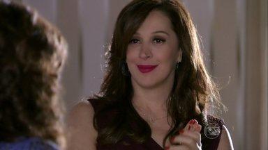 Lívia manda Wanda trazer Rosângela ao seu encontro - As duas se preocupam com a ambição da menina