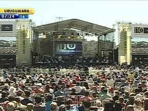 Cerca de 12 mil pessoas acompanham concerto da Ospa em Porto Alegre - Espetáculo contou com participação de músicos regionalistas e de rock local.