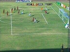 Londrina vence e mantém esperanças de chegar à final - Tubarão segue um ponto atrás do Atlético na briga pelo título do segundo turno