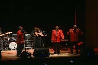 """The Platters se apresenta em Campina Grande - Banda cantou vários sucessos, entre eles, a famosa música """"Only You""""."""