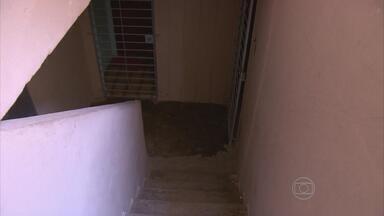 Recém-nascido é abandonado em prédio de Paulista, PE - Criança foi resgata pelo Corpo de Bombeiros e está internada em maternidade de Olinda.